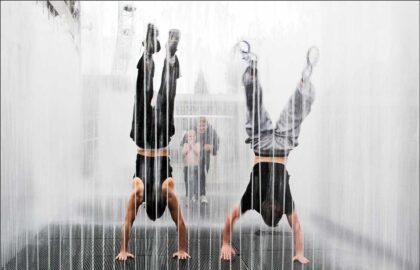 Waterjet-Handstand-