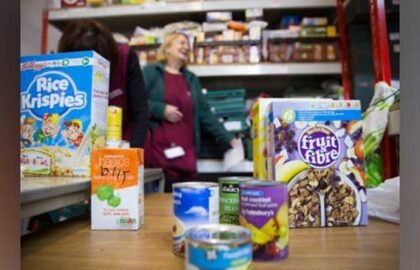 foodbank_warehouse_20150324_0116-402x286